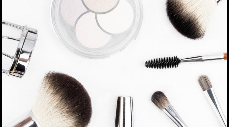 Jak założyć firmę produkującą kosmetyki naturalne?